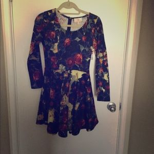 Collective Concepts A frame dress